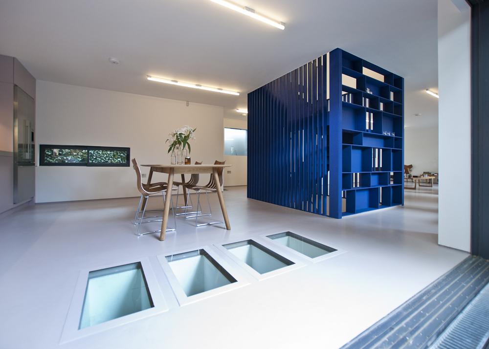 Cube(w)
